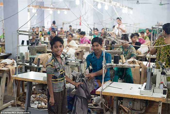 Các điều kiện và phương tiện làm việc tại những nhà máy này có chất lượng thấp hơn nhiều so với hầu hết các nhà máy định hướng xuất khẩu chính thức bởi họ không phải chịu kiểm soát an toàn tương tự.