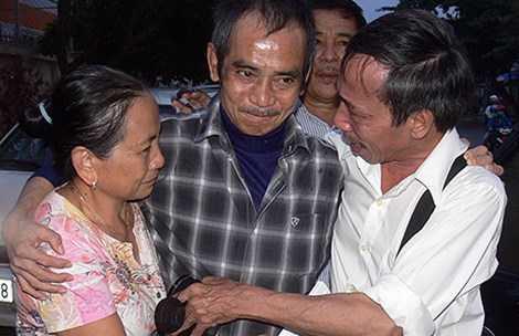 Ông Huỳnh Văn Nén được minh oan sau hơn 17 năm bị tạm giam