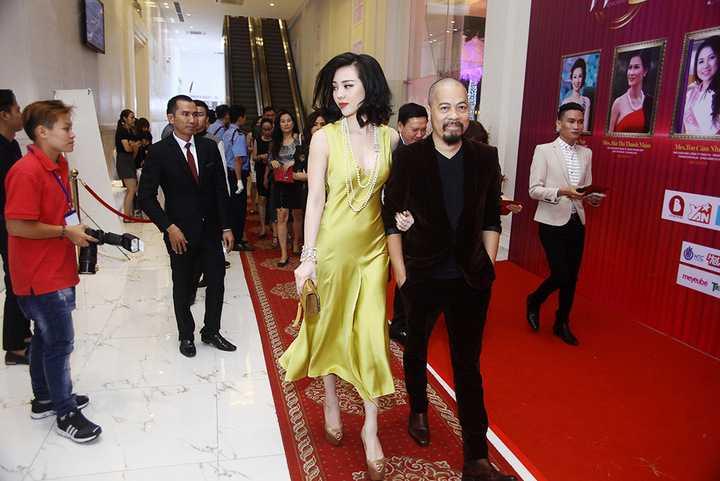Tối qua Á hậu Hoa hậu Người Việt thế giới 2013 Trà Giang đã tham dự một sự kiện dành cho phái đẹp tại TP.HCM