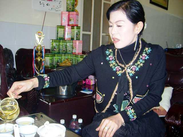 Bà Hà Thúy Linh (thường gọi là Hà Linh, 45 tuổi) - Giám đốc Công ty TNHH Hà Linh, Phó Chủ tịch Hội doanh nhân trẻ tỉnh Lâm Đồng