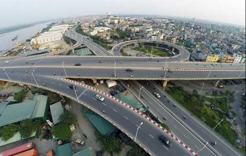 Khu vưc Vĩnh Tuy - Mai Động là một trong những điểm nóng về giao thông sẽ sớm được khắc phục sau khi đoạn đường từ chân cầu Vĩnh Tuy đến chân cầu Mai Động được mở rộng.