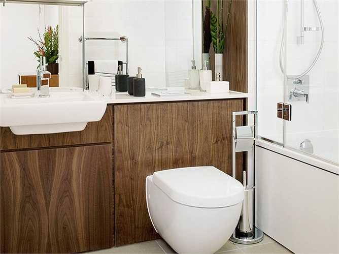 Nội thất phòng tắm không kém một khách sạn 5 sao.