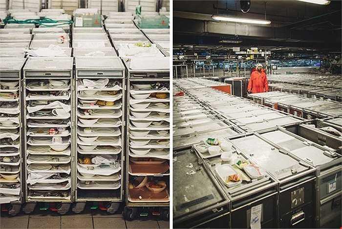 EKFC hiện là cơ sở phục vụ ăn uống trên máy bay lớn nhất thế giới khi làm ra từ 150.000 - 160.000 bữa ăn/ngày. Để có được năng suất lớn như vậy, EKFC đã phải thuê tới tổng cộng hơn 8.000 nhân viên, trong đó có 1.600 nhân viên túc trực làm việc liên tục tại cơ sở để phục vụ 360 chuyến bay mỗi ngày.