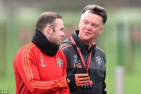 Van Gaal phải tìm mọi cách giúp đội nhà ghi bàn trong trận MU vs West Ham