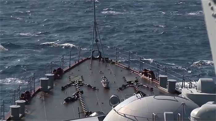 Tuần dương hạm Cận vệ Moskva ngoài khơi bờ biển Latakia