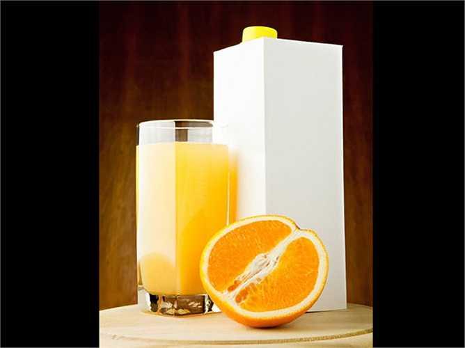 Đồ uống chế biến sẵn: các loại nước chế biến sẵn không tự nhiên. Chúng chứa đường và chất tạo ngọt nhân tạo khác, cung cấp nhiều calo. Bạn có biết rằng, nước trái cây chế biến săn chỉ chứa 3% trái cây, đó là lý do tại sao nó không là thức uống lành mạnh.