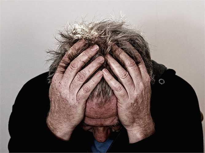Thuốc điều trị trầm cảm (thuốc chống trầm cảm, Imipramine): Hoạt chất curcumin có trong củ nghệ giúp thư giãn tâm trí và làm giảm trầm cảm. Nó đã được chứng minh trong một nghiên cứu rằng củ nghệ là một loại thuốc tự nhiên chống lại sự lo lắng và trầm cảm.