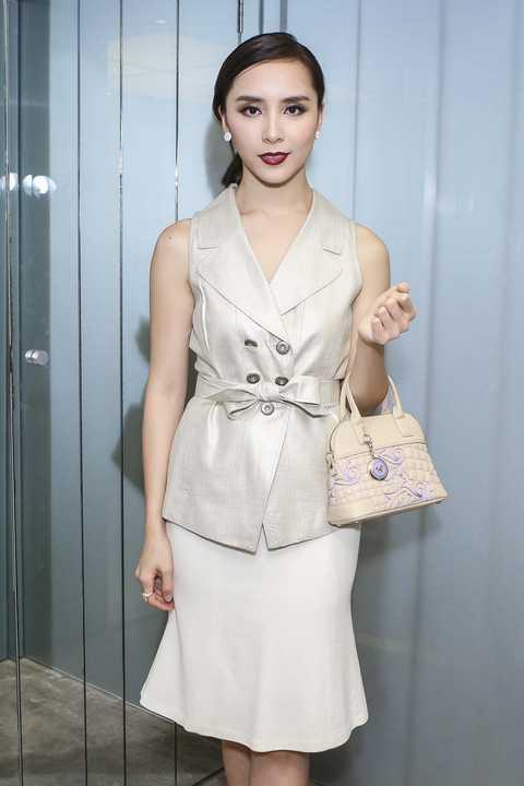 Dương Trương Thiên Lý với vẻ đẹp đằm thắm