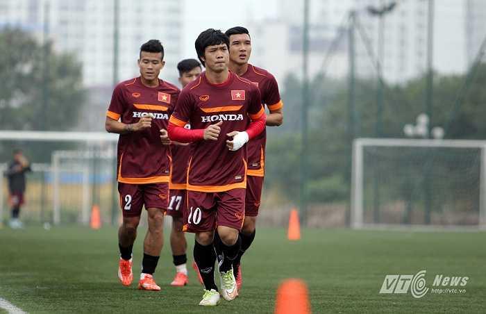 Trước đó, U23 Việt Nam được xả trại và Công Phượng chưa hề bị chấn thương ở tay.