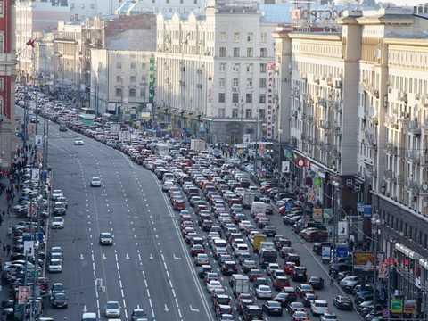 Moscow, Nga là thành phố xếp thứ Tư trong danh sách những địa điểm tắc đường nhiều nhất nhất giới và bức ảnh này là một ví dụ cụ thể