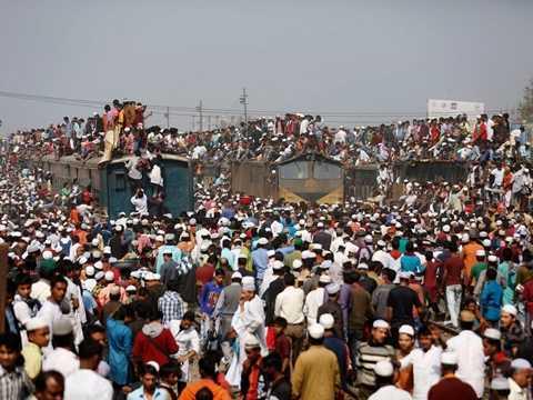 Những chuyến tàu quá tải ở Dhaka, Bangladesh.