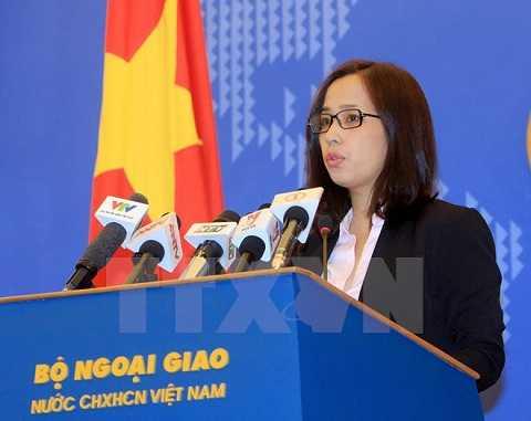 Phó Phát ngôn viên Bộ Ngoại giao Phạm Thu Hằng phát biểu tại buổi họp báo - Ảnh: TTXVN
