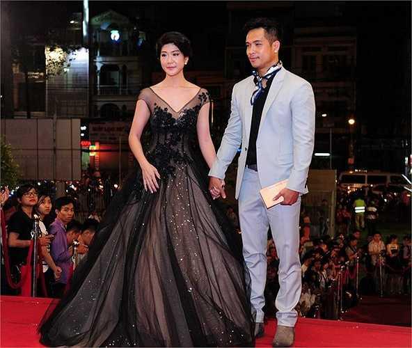 Nam diễn viên Trương Thế Vinh lịch lãm bên bạn gái