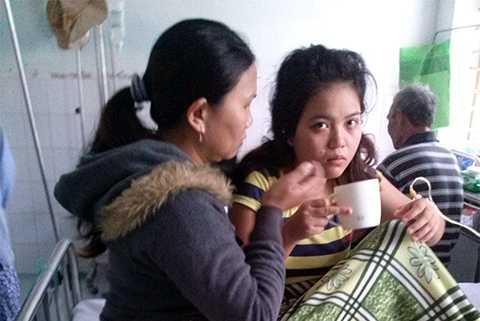 Cả nhà nguy kịch, con trẻ tử vong, đốt than sưởi ấm, Quảng Nam, bệnh viện, cấp cứu