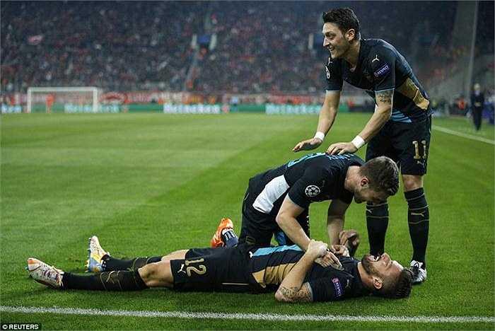 Chiến thắng trong một trận cầu quyết định tấm vé vào vòng knock-out Champions League của Arsenal, phần giúp bóng đá Anh cải thiện hình ảnh sau trận thua bạc nhược của Man Utd vào hôm qua