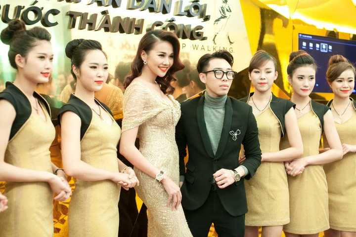 Vừa qua, siêu mẫu diễn viên Thanh Hằng đã có mặt tại Hà Nội để tham dự sự kiện do mình làm đại diện hình ảnh.