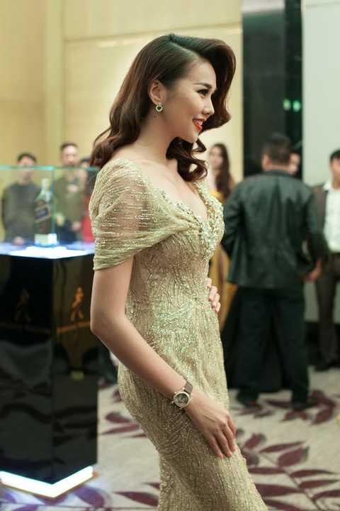 Thời gian qua, sau khi hoàn thành vai trò Host của cuộc thi Vietnam's Next Top Model, Thanh Hằng lại tiếp tục bận rộn với những dự án riêng của mình.