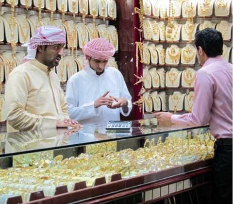 Những người buôn bán trong khu vực này đều nhận được sự kiểm soát chặt chẽ từ Chính phủ để bán hàng với giá không quá cao so với thị trường