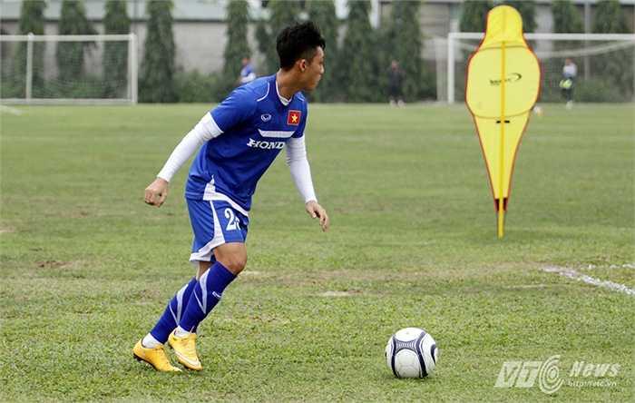 Tương tự, Lâm Ti Phông sẽ đá ở vị trí tiền vệ cánh.