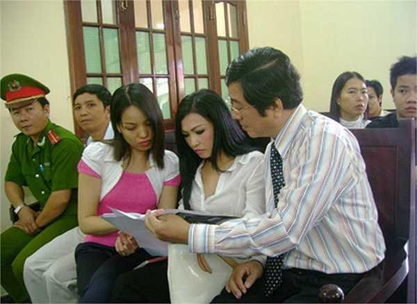 Được coi là vụ kiện đối đầu trực diện đầu tiên giữa nghệ sĩ và nhà báo nên sự việc Phương Thanh kiện blogger Lê Nguyễn Hương Trà hay còn được biết tới là Cô gái Đồ Long được dư luận đặc biệt quan tâm.