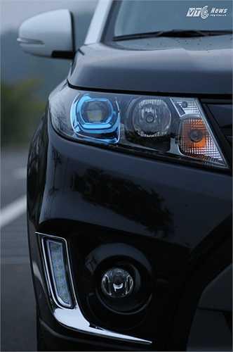Ấn tượng chung về Suzuki Vitara 2015 là sự khỏe khoắn của ngoại thất và động cơ 'ăn chắc mặc bền' của một dòng xe đã được cánh mày râu ở Việt Nam kiểm nghiệm. (Quốc Lâm)