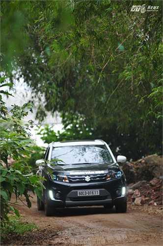 Suzuki Vitara 2016 bản tiêu chuẩn sở hữu động cơ xăng M16A dung tích 1.6 lít cho công suất tối đa 120 mã lực và lực mô-men xoắn cực đại 156 Nm.