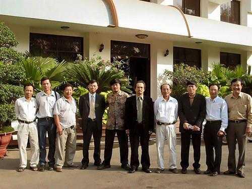 Các luật sư, nhà báo theo đuổi vụ án Huỳnh Văn Nén. Ảnh tư liệu