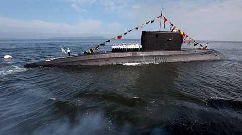 Tàu ngầm Nga ở Địa Trung Hải - Ảnh: Sputnik