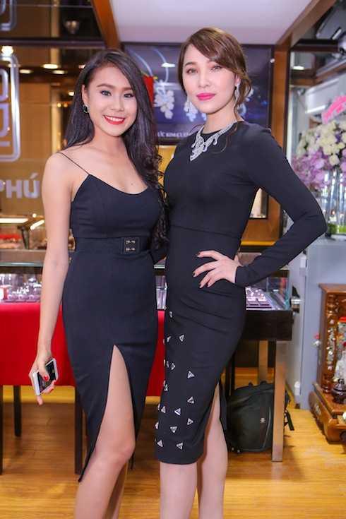 DV Hồ Bich Trâm khoe vẻ sexy cùng đàn chị Quỳnh Thư