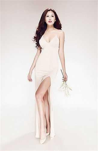 Mai Phương Thuý của năm 2015 quay lại showbiz với vẻ đẹp hiện đại.