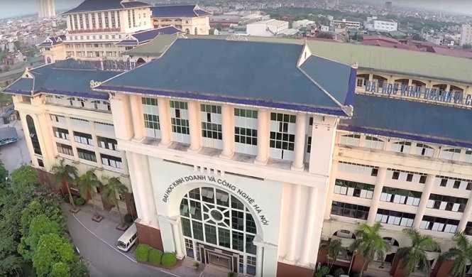 Xôn xao việc ĐH Kinh doanh Công nghệ Hà Nội được phép đào tạo Y đa khoa và Dược học