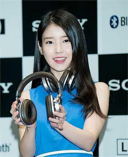 Nữ ca sĩ IU được Sohu đánh giá cao với vẻ ngoài tự nhiên. Cô xếp thứ 4, vượt qua nhiều gương mặt nổi bật khác.