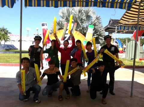 """Thanh niên Công Nhân đầy phấn khởi tham gia các trò chơi """"Sung Trí Lực"""" cùng tăng lực 247"""