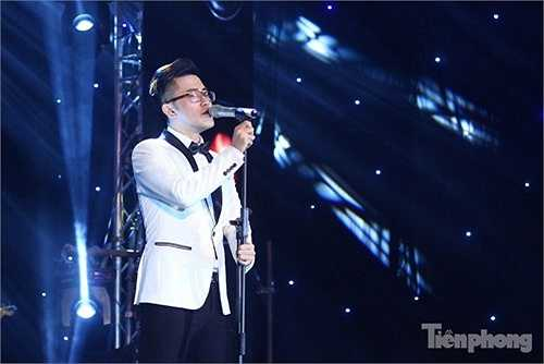 Cháng ca sĩ trẻ Bùi Hoàng Phương 'phiêu' hết cỡ với bản phối mới lạ của ca khúc 'Rolling In The Deep'.