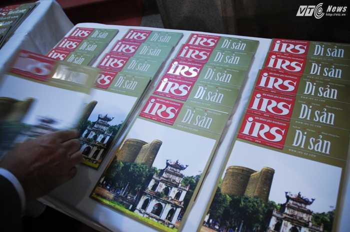 Tạp chí Di Sản phiên bản tiếng Việt - Ảnh: Tùng Đinh