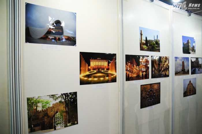 Trong lễ ra mắt sáng 17/12, một số bức ảnh về di sản Azerbaijan cũng được trưng bày - Ảnh: Tùng Đinh