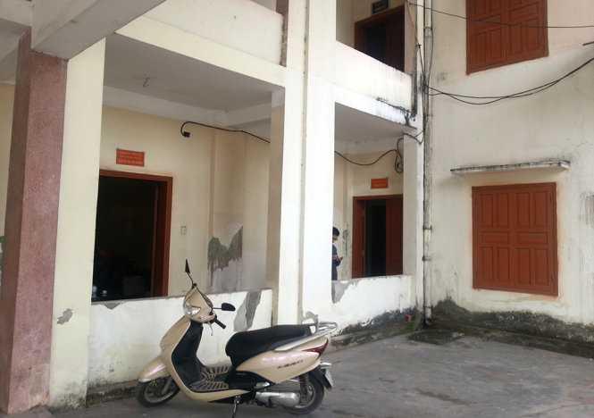 Các phòng của Phòng nội vụ huyện An Dương, Hải Phòng thường xuyên không có cán bộ tiếp nhận hồ sơ thi tuyển công chức - Ảnh: CTV