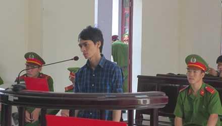 Trần Văn Điểm tại phiên tòa.