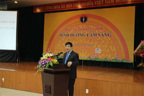 PGS. Tiến Sĩ Lương Ngọc Khuê, Cục trưởng cục quản lý khám chữa bệnh, Bộ Y Tế phát biểu khai mạc hội nghị