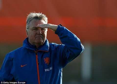 Guus Hiddink chính thức tái hợp Chelsea lần thứ 2