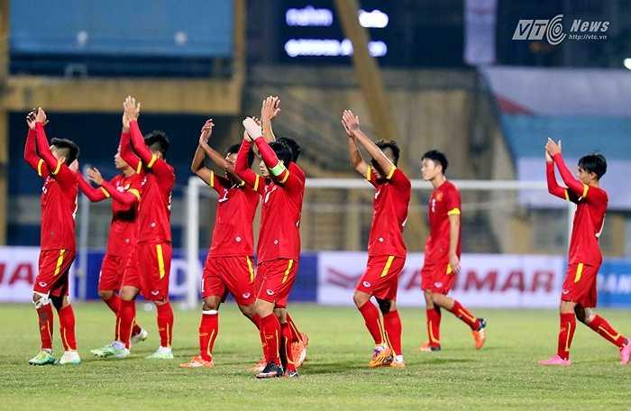 Hi vọng Công Phượng sẽ là cầu nối cho các cầu thủ HAGL lẫn đồng đội từ các lò đào tạo khác để cùng HLV Miura hướng tới mục tiêu vào tứ kết U23 Châu Á(Tiểu Hàn - Ảnh: Quang Minh)