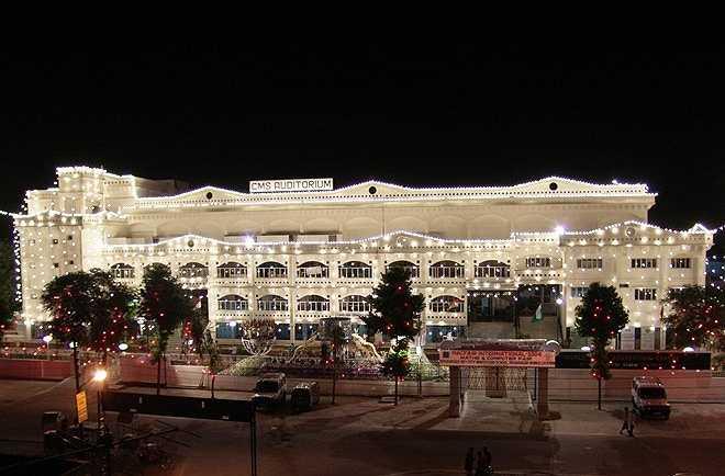 Trường City Montessori (CMS) ở thành phố Lucknow, bang Uttar Pradesh, Ấn Độ hiện là ngôi trường lớn nhất thế giới theo Sách Kỷ lục Guinness. Ảnh: Cmseducation.