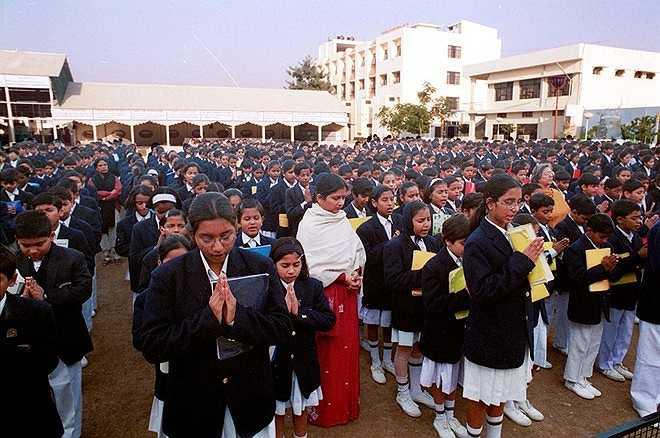 CMS được thành lập năm 1959 với một tòa nhà dạy học cùng 5 học sinh. Đến nay, trường có hơn 52.000 học sinh từ bậc mầm non đến lớp 12 học tập tại 20 cơ sở. Tạp chí Educational World đánh giá đây là trường học tốt nhất Ấn Độ. Ảnh: Cmseducation.