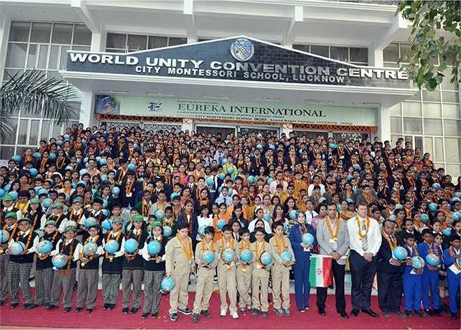 CMS cũng là nơi tổ chức nhiều sự kiện giáo dục nổi bật. Năm 2012, cuộc thi Geologically Yours diễn ra tại cơ sở Anandnagar với sự tham gia của học sinh đến từ các nước Nepal, Iran và Sri Lanka. Ảnh: Theasis.