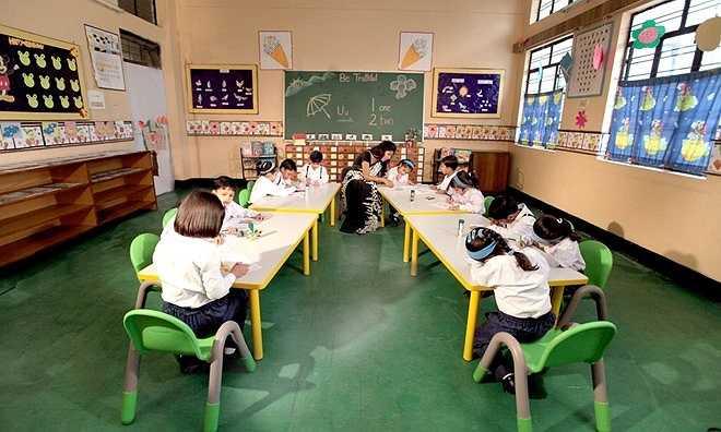 Mặc dù City Montessori là một trường danh tiếng, tỷ lệ cạnh tranh cao, mức học phí của trường vẫn thấp hơn 25% so với mặt bằng chung. Với học phí từ 300 bảng đến 700 bảng/năm, họ được hưởng môi trường học tập đầy đủ tiện nghi của một trường tư thục ưu tú. Ảnh: Cmseducation.