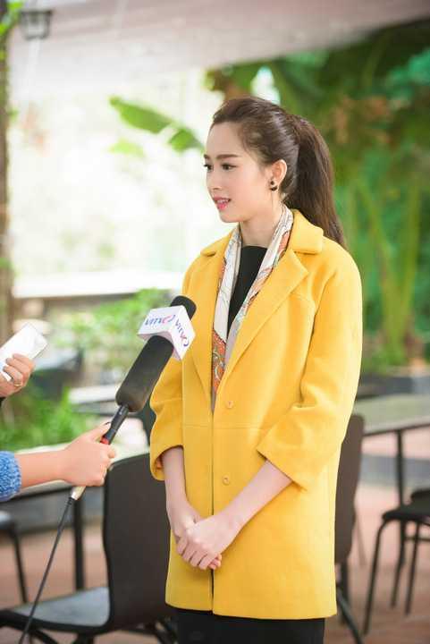 Cuốn sách này do chính GS Ngô Bảo Châu và Nguyễn Khiếu Anh chuyển ngữ, được công ty Nhã Nam và NXB Văn Học ấn hành.