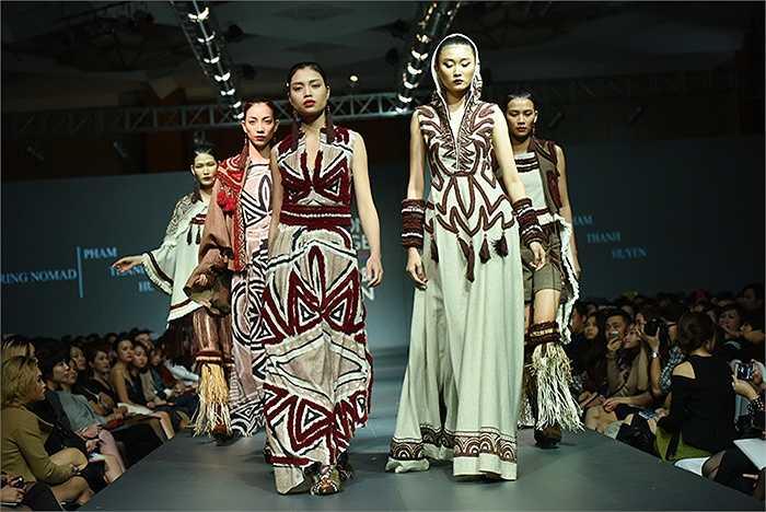 Bộ sưu tập Wandering Nomad lấy cảm hứng từ nghệ thuật dân tộc, lễ hội, phong cách và họa tiết của các dân tộc trên thế giới.