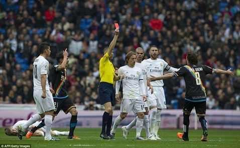 Real Madrid được thiên vị khá rõ