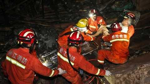 Lực lượng cứu hộ vẫn đang cố tìm người bị nạn