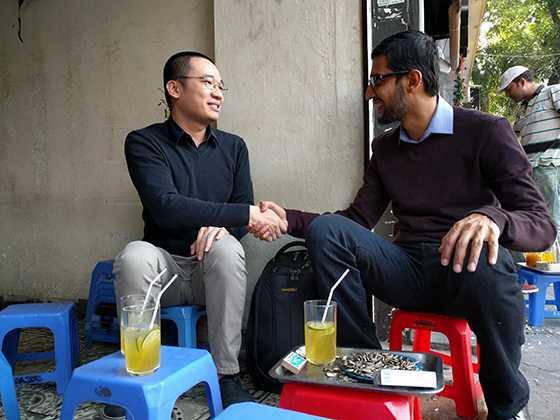 Sundar Pichai và Nguyễn Hà Đông đều tỏ ra vô cùng hào hứng với cuộc trao đổi này